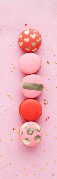 Macaroons get a lovely makeover (yum).