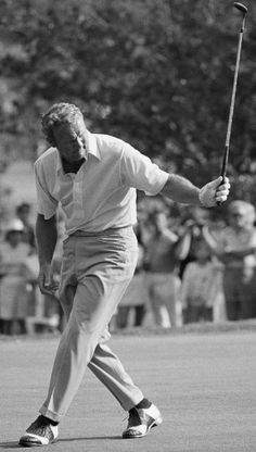 Golf Fashion Vintage I've played at golf for 40 years. My golf hero growing up and still today, Arnold Palmer. ace on a 194 yd. par 3 and hitting balls with Palmer, NIcklaus, Rodriguez and Brewer at a charity event. Golf Images, Vintage Golf, Vintage Men, Golf Theme, Golf Party, Evolution Of Fashion, Golf Fashion, Play Golf, Mens Golf