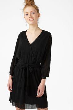 Pleated dress - Black magic - Dresses - Monki FR