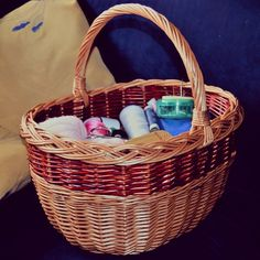 Si a tu madre le gusta la #costura, regálale en el #diadelamadre esta preciosa #cesta para todos sus trastos de #costura. Acertarás seguro!  #mimbre #unacestadecestashome #calidadcestasdeespaña #home #handmade #decor