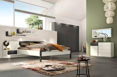huelsta-mobel-hulsta_furniture-FJORA-Schlafzimmer-bedroom-Lack_weiss-grau-white_lacquer-grey9_01.jpg (3000×1988)