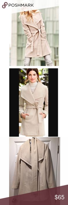 Michael Kors cream wool wrap coat sz small Beautifully soft (feels like Cashmere) cream wrap coat in great condition. No stains or tears - worn a handful of times & dry cleaned. Size small Michael Kors Jackets & Coats