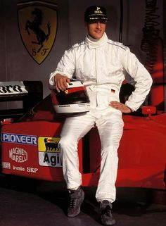 Michael Schumacher (Scuderia Ferrari V12, 412/T2). First official appearance behind the wheel of a Ferrari F1 car. Estoril Test, Portugal, 20th November 1995.