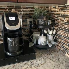 Coffee Bar Station, Coffee Station Kitchen, Coffee Bars In Kitchen, Coffee Bar Home, Home Coffee Stations, Tea Station, Coffee Area, Coffee Nook, Kitchen Countertop Decor