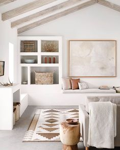 A breath of fresh air! I'm a long-time fan of textiles - love this airy clean-lined space which. Living Room Nook, Living Room Chairs, Living Spaces, Living Rooms, Decorating Your Home, Interior Decorating, Interior Design, Bohemian Decoration, Jute Rug