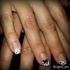 Diseño de uñas con lazo en el dedo anular Nails Design, Costa Rica, Nail Art, Ring Finger, Fingers, Fingernail Designs, Hairdos, Nail Arts, Nail Art Designs