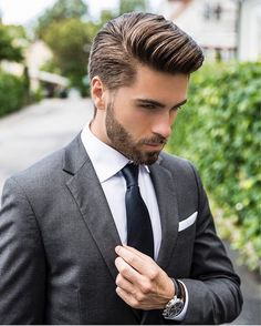 Styles hair differnt facial