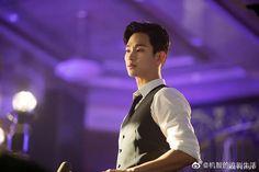 Official Stills of Kim Soo Hyun's Buzzy Cameo in Hotel Del Luna Blue Moon Hotel, Kim Son, Jin Goo, Poster Boys, Kdrama Actors, She Was Beautiful, Aesthetic Girl, My Prince, Super Junior