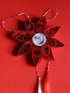 Quilling Art, Little Things, Origami, School, Handmade, Diy, Quilling, Hand Made, Bricolage