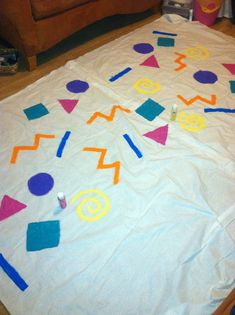 DIY 90's backdrop for a 90's themed party! #savedbythebell #paint #crafting #diy