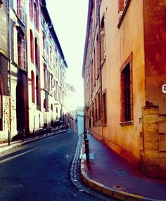 Les rues de #Toulouse !  #France #villemédiévale #MedievalCity #romantic