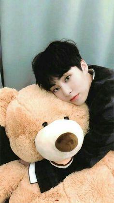 Chen's pretty boyfriend is killin' me by his cute baby face. I'm so … Chen's pretty boyfriend is killin' me by his cute baby face. Exo Xiumin, Sehun Hot, Kim Minseok Exo, Exo Bts, Kris Exo, Namjoon, Taehyung, Yoonmin, Vixx