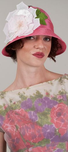 more hats - http://www.boomerinas.com/2012/10/02/types-of-hats-for-women-when-to-wear-them-fedora-cloche-victorian-more/