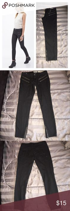 🔴3 FOR $20🔴INDIGO REIN BLACK ZIPPER PSNTS SIZE 9 ONLY WORN ONCE FOR A COUPLE OF HOURS.  THE ZIPPER ON THE PANTS GIVES THE PANTS A STYLISH STATEMENT.  AWESOME PAIR OF BLACK PANTS.  💖THANK YOU FOR THE LIKE!  BIG SALE!  EVERYTHING $10 AND UNDER IS 4 FOR $10.  EVERYTHING $20 AND UNDER IS 3 FOR $20!  PLEASE FEEL FREE TO ASK QUESTIONS! Indigo Rein Pants Skinny