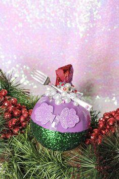 DIY Disney Princess Christmas Ornaments   Disney Christmas Tree Ideas Girly Christmas Tree, Disney Christmas Crafts, Disney Christmas Decorations, Christmas Tree Themes, Disney Crafts, Christmas Diy, Mickey Christmas, Disney Diy, Disney Ideas