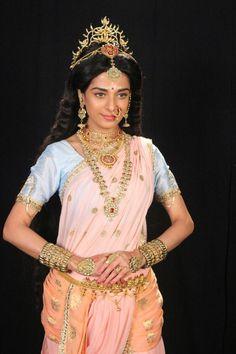 Shiva Parvati Images, Shiva Shakti, Indian Actress Pics, South Indian Actress, Vaishno Devi, Pooja Sharma, Vintage Bollywood, Indian Designer Outfits, India Fashion