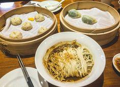 Visiter Taïwan et goûter à la cuisine Taïwanaise : des xiao long bas et de nouilles à la sauce cacahouète, un délice sans nom !