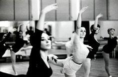 Estudio Ballet Barcelona® Prof. Carolina de Pedro Pascual www.ballet.barcelona c/Joaquín Costa 57 (08001)