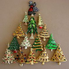 Dazzling sparkling festive Christmas tree pins are fun to collect and best of all you get to wear your pieces. Some collectors wear their pins year 'round. Vintage Christmas Crafts, Christmas Past, Retro Christmas, Christmas Holidays, Christmas Decorations, Christmas Ornaments, Christmas Cactus, Christmas Stocking, Christmas Christmas
