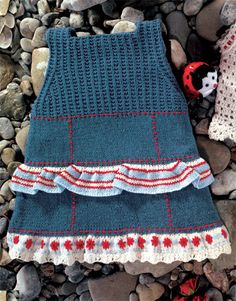 Revista bebé 1 Primavera / Verano   39: Bebé Vestido   Azul oscuro / Crudo / Rojo / Azul celeste