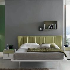 Contemporary, elegant 'Diamond' bed by Orme