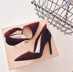Prada Sale - Up to 70% off the Original Price. Shop discount Prada shoes, handbags & accessories. Choose from 200+ designers including Prada at OUTLETCITY.COM today. http://www.outletcity.com/de/metzingen/marken-outlet-prada/
