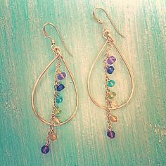 Gold standard: incorporating gold in jewelry projects Big Earrings, How To Make Earrings, Simple Earrings, Beaded Earrings, Earrings Handmade, Wire Wrapped Jewelry, Wire Jewelry, Beaded Jewelry, Jewellery