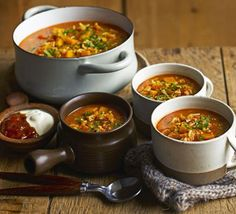 Chunky Butternut Mulligatawny: This spicy soup with basmati rice and apples is chunky, warming and wholesome - plus its low in fat and calories to boot. Bbc Good Food Recipes, Soup Recipes, Diet Recipes, Vegetarian Recipes, Cooking Recipes, Healthy Recipes, Veggie Recipes, Healthy Snacks, Gumbo Recipes