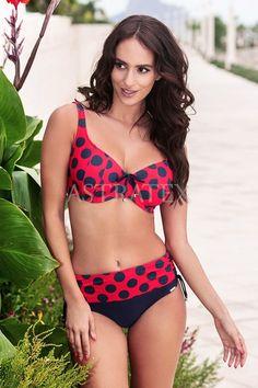 Pohodlné plavky Emily v puntíkovaném retro designu se skvěle hodí i pro dámy plnějších tvarů. Střih košíčků vytvoří perfektní oporu a tvar Vašeho Bikinis, Swimwear, Retro, Costumes, Tvar, Design, Fashion, Acapulco, Bathing Suits