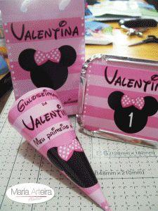 Papelaria feira para a festa de um aninho da Valentina. Tema Minnie cor de rosa.