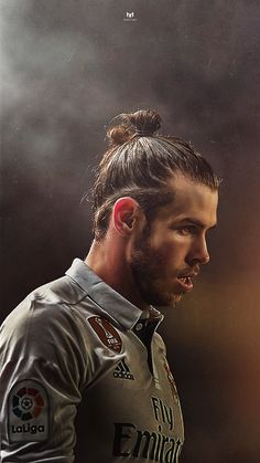 It is of a website not oficial that published a picture of garetht bale futbol player of real madrid Real Madrid Club, Real Madrid Football Club, Real Madrid Soccer, Real Madrid Players, Football Love, Football Is Life, Gareth Bale, Joueurs Real Madrid, Bale 11