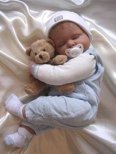 Hasta mañana.......Hoy voy a dormir como este niño