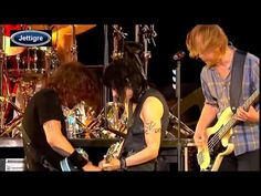 http://youtu.be/blEteets5FI Joan Jett & The Foo Fighters - Bad Repuataion & I Love Rock N Roll