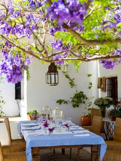 Outdoor dining at Beautiful Spanish Style House with Rustic and Country Design Outdoor Rooms, Outdoor Dining, Outdoor Gardens, Outdoor Decor, Dining Area, Patio Dining, Outdoor Seating, Dining Table, Outdoor Fun