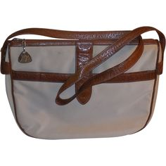 1970 s Morris Moskowitz Bone Striated Vinyl Brown Leather Shoulder Bag Purse  offered by Not Just · Vintage PursesPurses And ... e22514eaafcd5