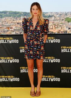Wow: Margot Robbie looked effortlessly chic as she joined co-star Leonardo DiCaprio and director Quentin Tarantino at the Once Upon A Time In Hollywood photocall in Rome, Italy, on Saturday Margot Robbie Style, Margot Elise Robbie, Margo Robbie, Actress Margot Robbie, Olga Kurylenko, In Hollywood, Hollywood Actresses, Star Fashion, Nice Dresses