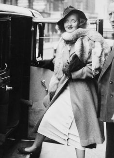 Bette Davis in London, 1936