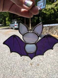 This adorable little guy is sure to put a smile on your face, and a little happy spook in your autumn! Stained Glass Ornaments, Stained Glass Suncatchers, Faux Stained Glass, Stained Glass Designs, Stained Glass Projects, Stained Glass Patterns, Leaded Glass, Mosaic Glass, Fused Glass