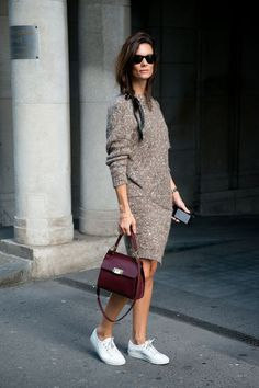 See how to pull off a sweater dress with sneakers with street style inspiration from Hedvig Opshaug. Fashion Mode, Look Fashion, Autumn Fashion, Sporty Fashion, Sneakers Fashion, Ski Fashion, Fashion Black, Petite Fashion, Fashion 2020