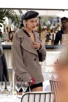 Inside Tips That Pertain To Your Wardrobe! Jean Paul Gaultier, Bella Hadid Estilo, Bella Hadid Outfits, Urban Fashion Women, Womens Fashion, Victoria's Secret, Fashion Killa, Fashion Trends, Blazer