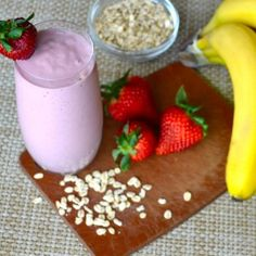 Strawberry Oat Smoothie Oat Smoothie, Smoothies, My Recipes, Panna Cotta, Nom Nom, Strawberry, Pudding, Drink, Eat