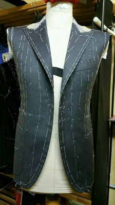 Blazer Pattern, Suit Pattern, Jacket Pattern, Tailoring Techniques, Techniques Couture, Sewing Techniques, Corset Sewing Pattern, Dress Sewing Patterns, Clothing Patterns