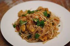 cup and table: great pad thai at home