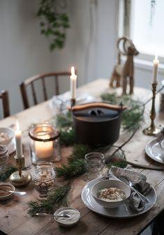 Bohemian Christmas, Christmas Mood, Noel Christmas, Scandinavian Christmas, Rustic Christmas, Simple Christmas, Christmas Lights, Xmas, Christmas Table Settings