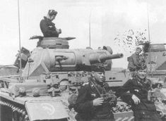 24th Panzer Division Pzkw III and crew