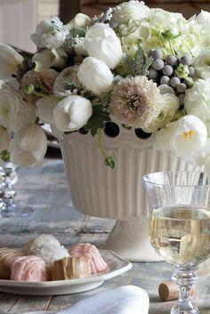 145 best flower arrangements images in 2019 floral arrangements rh pinterest com