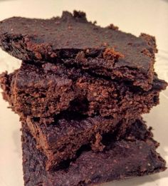 Discover recipes, home ideas, style inspiration and other ideas to try. Vegan Gluten Free Brownies, Sugar Free Brownies, Vegan Brownie, Best Brownies, Brownie Recipes, Vegan Cheesecake, Healthy Cake, Healthy Desserts, Raw Food Recipes