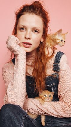 Wrap up in fuzzy mohair knits. Then throw a few college prints and some denim into the mix. Red Hair Day, Red Hair Woman, Pink Fashion, Fashion Beauty, Dog Fashion, Fashion Design, Dog Christmas Clothes, Christmas Dog, Pet Clothes