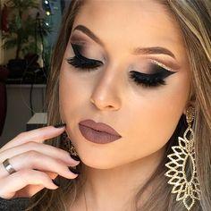 Difícil não achar maravilhosa essa maquiagem  Combinação perfeita de Make , modelo @amandaburali, brincos @amandamachadoacessorios e batom: Luisa @brutavaresppf  ___ It's hard not considering this makeup wonderful  Perfect combination of makeup, model @amandaburali, earrings @amandamachadoacessorios and Luisa lipstick @brutavaresppf