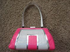 this is my duct tape purse. It was my first duct tape project. It matches my duct tape dress too. my duct tape purse Duct Tape Bags, Duct Tape Purses, Duct Tape Projects, Duck Tape Crafts, Diy For Kids, Crafts For Kids, Tapas, Bellisima, Purses And Handbags